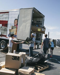 Moore, Oklahoma Tornado Response - Volunteers unload supplies