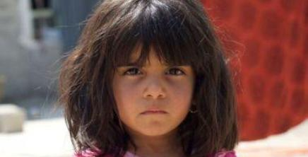 Syrian refugee girl